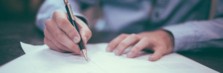 Firmar contrato bancario, importancia letra pequeña